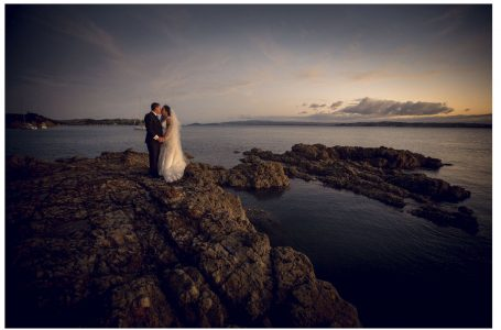 Waiheke Island wedding photos by Chris Loufte
